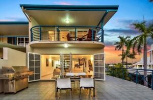 FULLY FURNISHED LUXURY BEACHFRONT TOWNHOUSE.