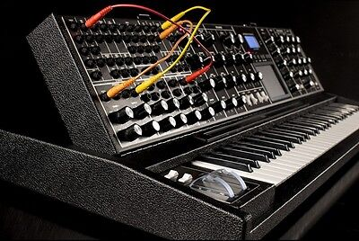 Moog Minimoog Voyager Xl   Limited Edition Tolex  Keyboard Black   Armens
