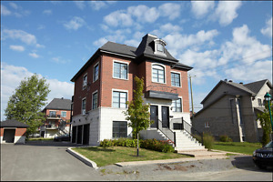 Condo 3 1/2 Neuf Luxe Garage Laval Montreal Anjou A25 tout Inclu