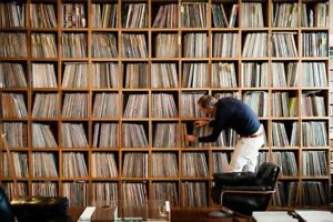 WANTED/BUYING LP/RECORD COLLECTIONS TRURO..NEW GLASGOW/AMHERST +