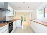 Kitchen, Bathroom, Laminate Wood Flooring, Tiling, Tiler, Joiner, Fitter & Kitchen Makeover