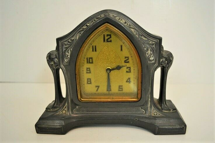 Vintage Metal ART DECO CLOCK Shelf Mantle