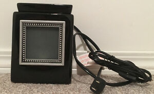 Scentsy Cube Ebony Black Warmer with Bead Frame