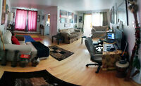 Large room for rent in Dorval