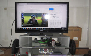 46-inch Sony Bravia KDL-46Z5100 with TV Stand and remote
