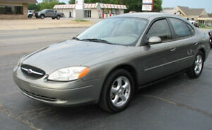 Ford Taurus SE Spruce Green Sedan 112,500km Only!!
