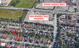 3 + 1 Bedroom House in Downtown Newmarket near Upper Canada Mall