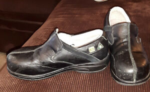 Black leather safety shoes Kitchener / Waterloo Kitchener Area image 1