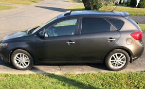 2012 Kia Forte5 automatique en bonne conditions !!!!