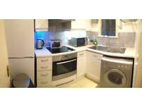 LOVELY DOUBLE ROOM IN WEST EALING ***ALL BILLS INCLUDED****