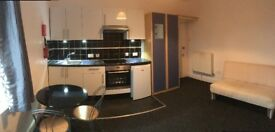 Superb modern bedsit with shared bathroom in well managed property