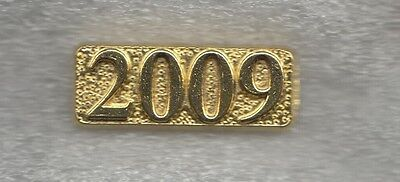 Senior Recognition Class of 2009 Year Letterman Jacket Pin gold tone
