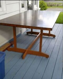 Old Table, Oak/Veneer, Sits 8, Retro/Antique/Vintage