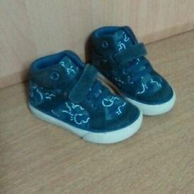 4H boys clarks shoes
