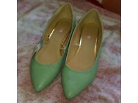 Ladiesbnwt size 8 shoes