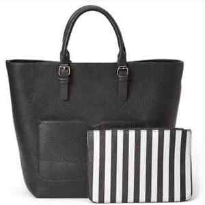 """BNWT Black Large 2 in 1 Tote bag 17"""" x 13 inches & smaller purse West Island Greater Montréal image 4"""