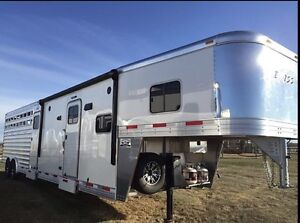 Exiss Stock combo horse trailer w/ living quarters
