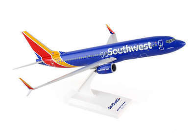 Skymarks SKR813 Southwest Boeing 737-8 New Livery Desk Top 1/130 Model Airplane