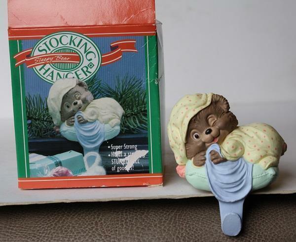 Sleepy Teddy Bear Hallmark 1988 Figure Stocking Holder Plastic Shelf Sitter-Box