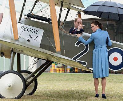 Catherine, Duchess of Cambridge & Prince William UNSIGNED photo - H5883