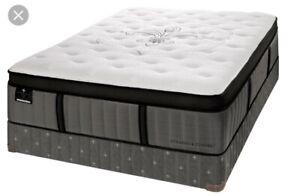 King size mattress - Stearns & Foster