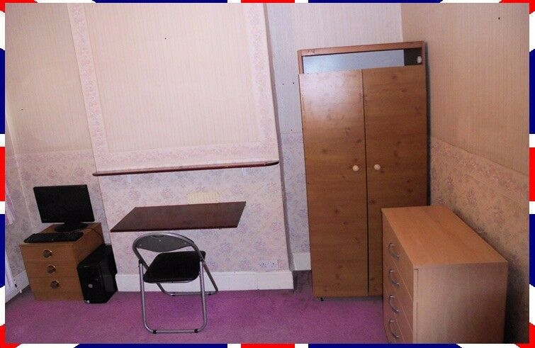 EAST LONDON-CLEAN DOUBLE BEDROOM+NETFLIX+GYM+BILLS =£80/Wk TOTAL FOR 1 EMPLOYED PERSON-NO COUPLES-E6