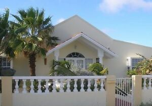 Vacation House in Sunny Aruba