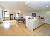 3 bedroom flat in Croxley Road, Maida Vale ,London W9