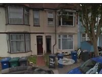 LOVELY 3 BEDROOM DUPLEX FLAT TO RENT IN ALBERT ROAD, HENDON, NW4 2SG