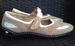 Worn Once Size 7.5 Josef Seibel Mary Janes