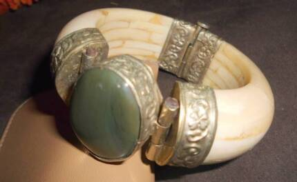 Vintage Silver & Bone Bangle Paradise Point Gold Coast North Preview