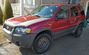 2006 Ford Escape XLT  FWD 3.0L   $2500 open to reasonable offers