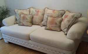 Gorgeous 4 seater sofa