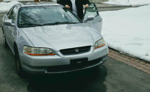 2000 Honda Accord Coupé 1750$ OBO NEGO