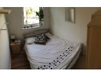 Double Room 725/m, 5 min walk to East Putney tube, 1 month temp. let