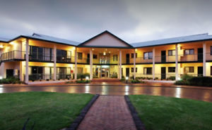 Nepean Country Club Timeshare 2 Bedroom Unit Sleep 6 with 2 weeks inc