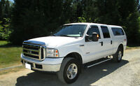 2007 Ford F-350 Lariat Pickup Truck with cap