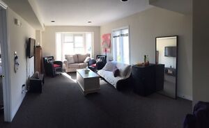 Perfect Room Available for Female Student London Ontario image 2