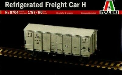 Italeri 1:87 HO Scale Refrigerated Railway Freight Car H Plastic Model Kit #8704