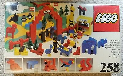 Lego 258 Vintage ZOO - w/ BOX & INSTRUCTIONS- 1970's