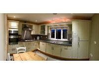 Kitchen units (Shaker Style) & Smeg appliances