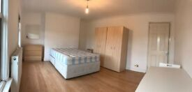 MASSIVE DOUBLE ROOM FOR SINGLE USE -- PLAISTOW