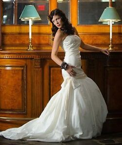 Alfred Sung Couture wedding gown