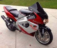 R1 / thunderace front fairing wanted