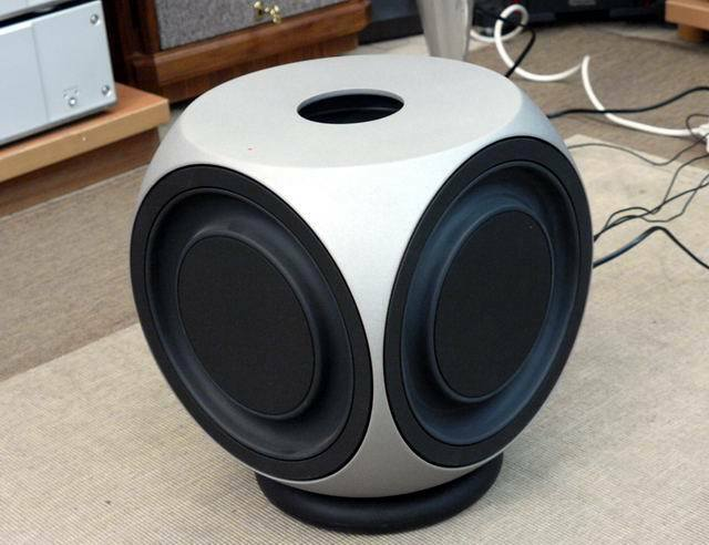bang and olufsen beolab 2 speaker all working in catford. Black Bedroom Furniture Sets. Home Design Ideas