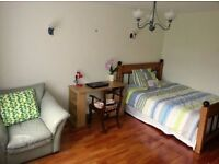 NG9 large furnished, 2 min to tram stop, £100/week bills included