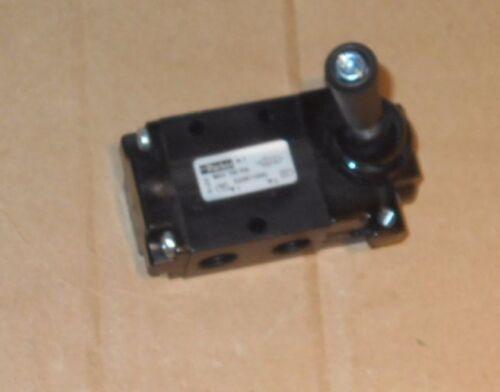 PARKER, Manual Air Control Valve, 3-Way, 1/4In NPT