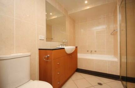 short rent of a private room with bathroom in canberra Turner North Canberra Preview