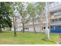 Main Door 3 Bedroom Spacious Flat in Nice South Side Near City Centre (Part Furnished)