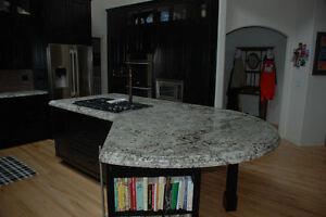 Comptoir de granit et dequartz, À partir de 45 $ le pied carré